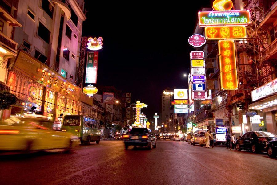 Bangkok's Chinatown is centered on Yaowarat Road,  Bangkok *** Local Caption *** ¶¹¹àÂÒÇÃÒª  ¨Ñ§ËÇÑ´¡ÃاÁËÒ¹¤Ã