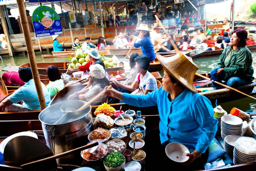 Damnoen Saduak Floating Market, Ratchaburi  *** Local Caption *** ตลาดน้ำดำเนินสะดวก  จังหวัดราชบุรี